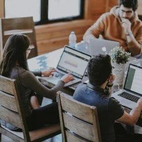 12 Recursos de capacitación para Community Manager